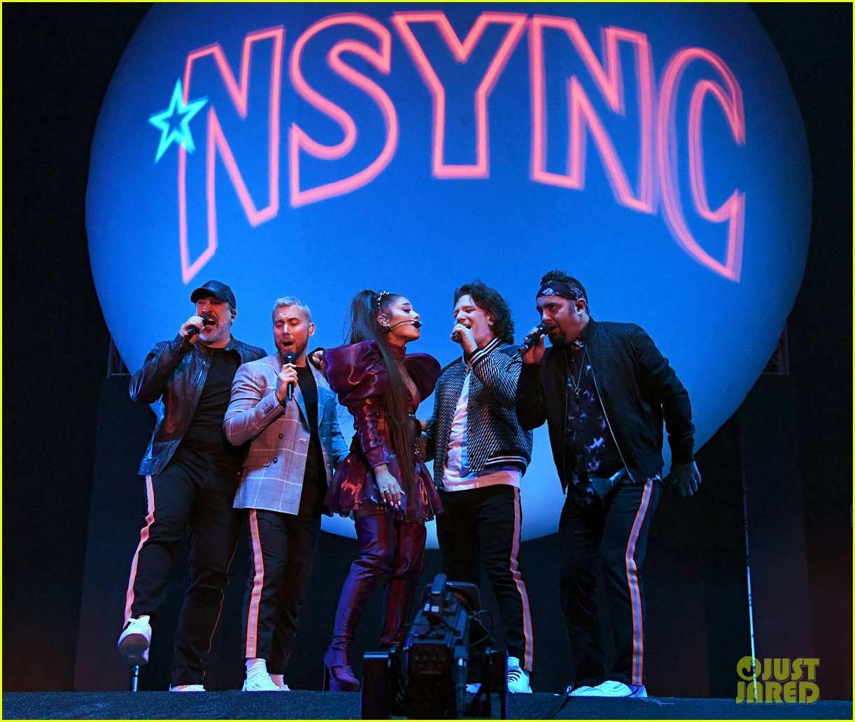 nsync join ariana grande on stage for coachella set 04