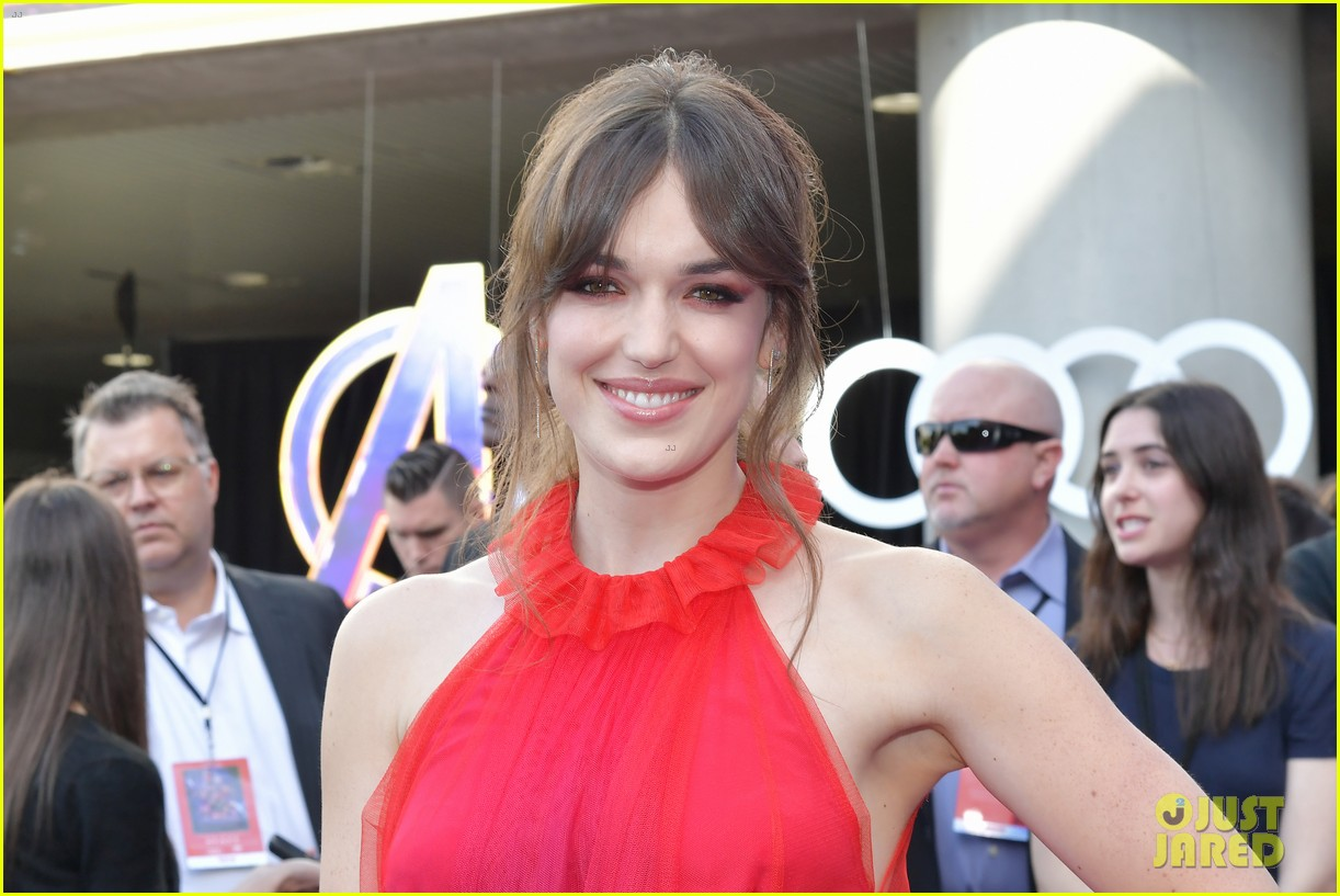 agents of shield and cloak and dagger stars avengers endgame premiere 28