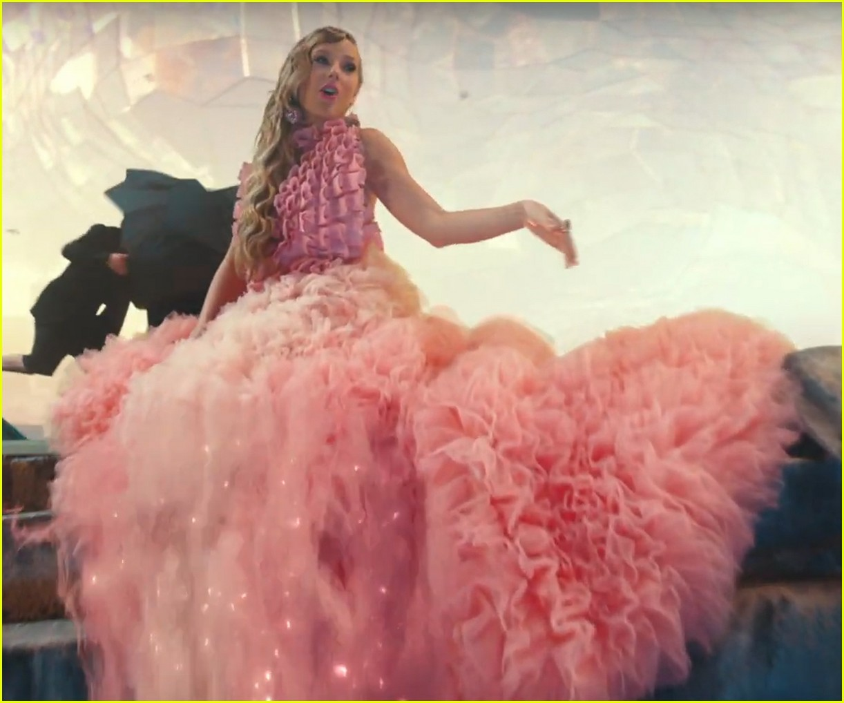 taylor swifts 7 me music video outfits see them all here 03