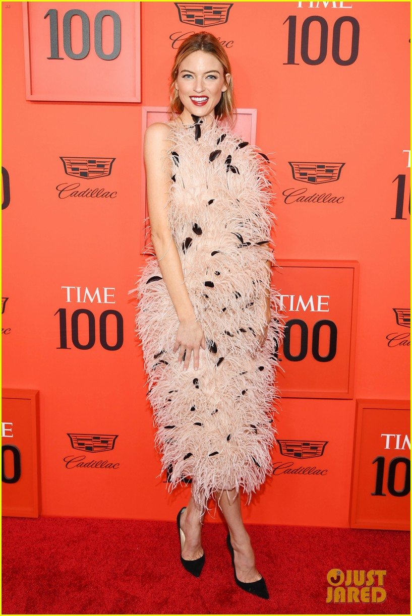 taylor swift wows in pastels at time 100 gala 04