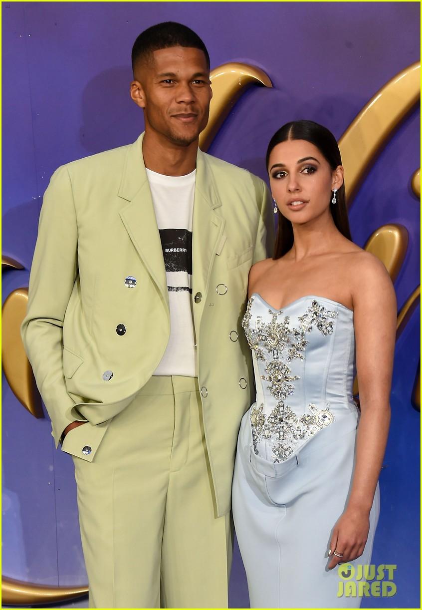 Naomi Scott Amp Mena Massoud Join Will Smith At Aladdin S