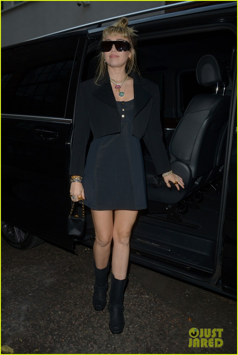 miley cyrus rocks little black dress for night out in london 10