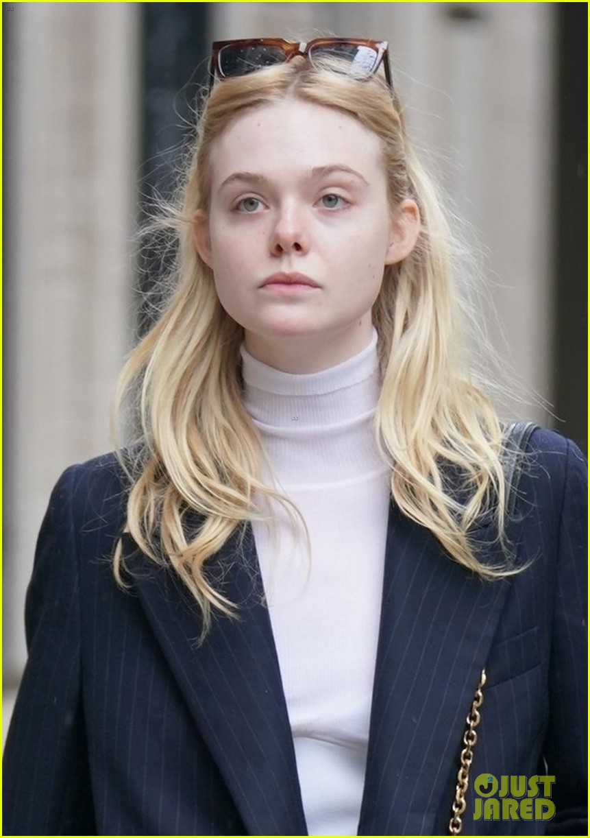rumored new couple elle fanning max minghella go for nyc stroll 04