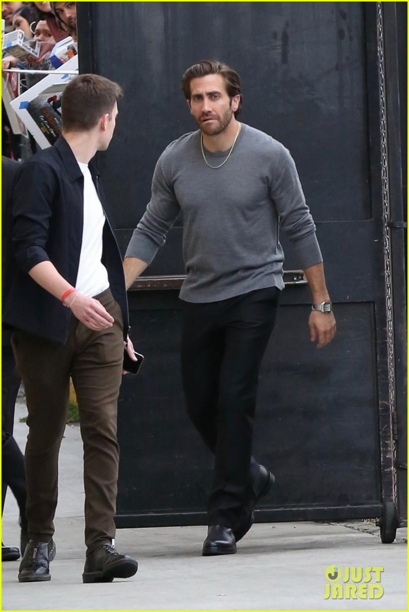 jake gyllenhaal zendaya tom holland promote spider man 05