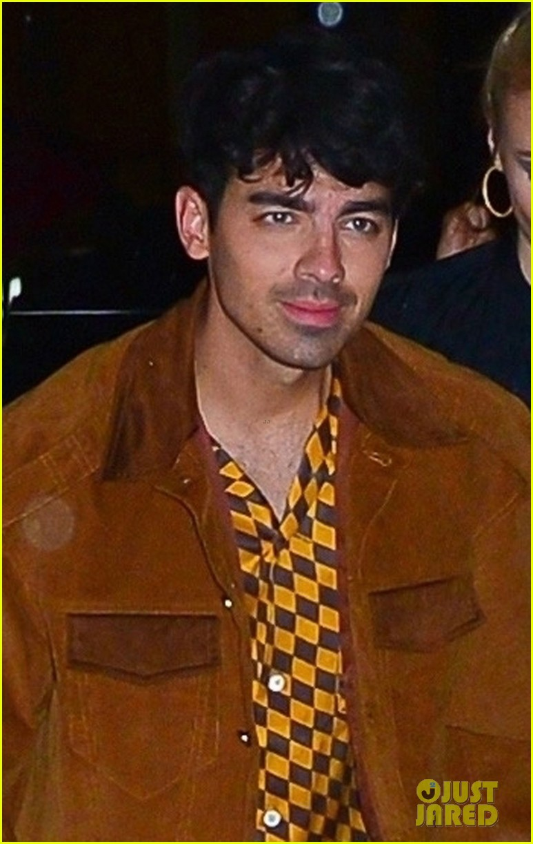 joe nick jonas wear coordinating outfits to snl after party 01