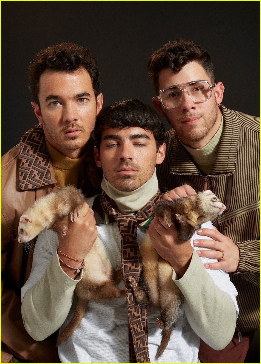 jonas brothers paper magzazine cover 08
