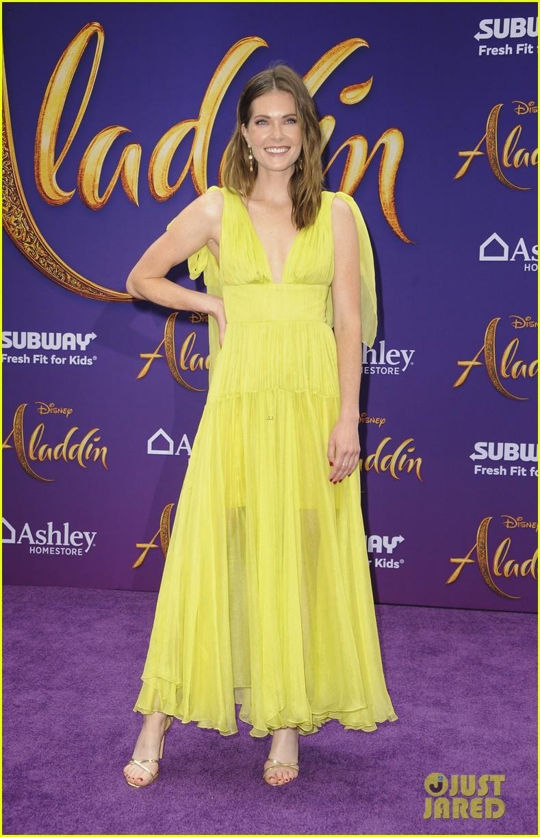 katie stevens meghann fahy step out of scarlett fashion closet at aladdin premiere 01