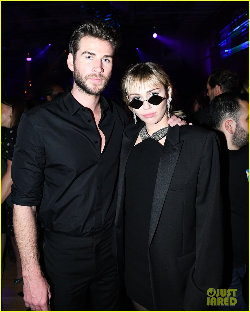 miley cyrus liam hemsworth gucci met gala party 02