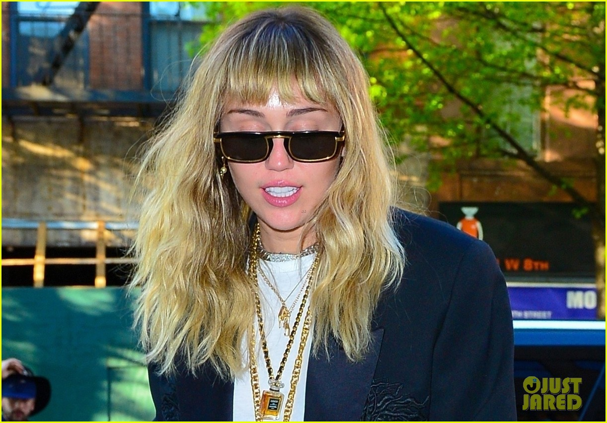 miley cyrus out in new york city 04