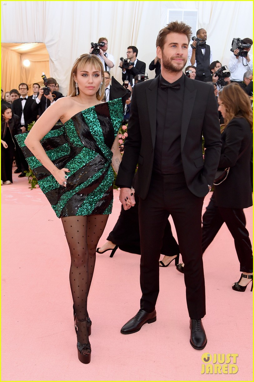 miley cyrus liam hemsworth met gala 2019 02