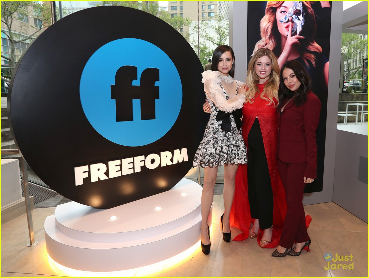 pll bold type cloak dagger freeform upfronts 02