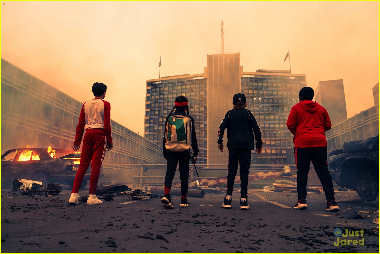 Netflix Drops Trailer For Sci-Fi Film, 'Rim of the World' - Watch