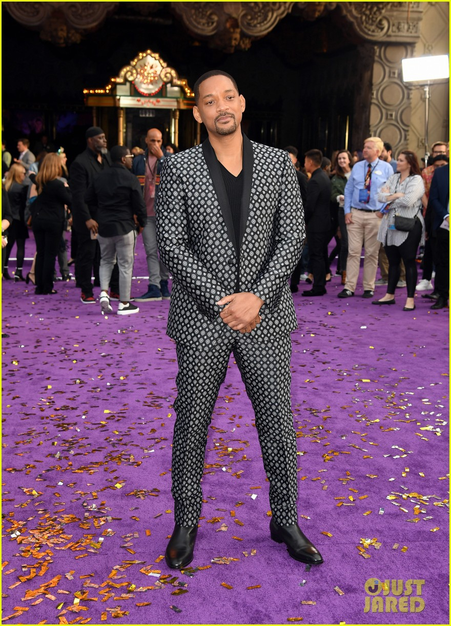 will smith is joined by his family at aladdin premiere 10