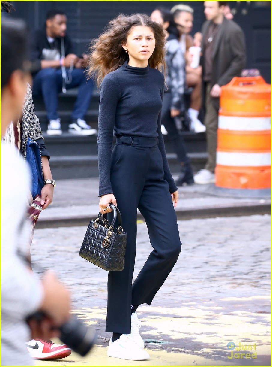 zendaya new tommy pieces nyc outing 01
