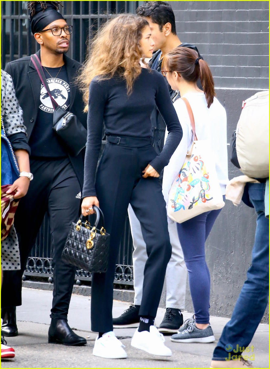 zendaya new tommy pieces nyc outing 02
