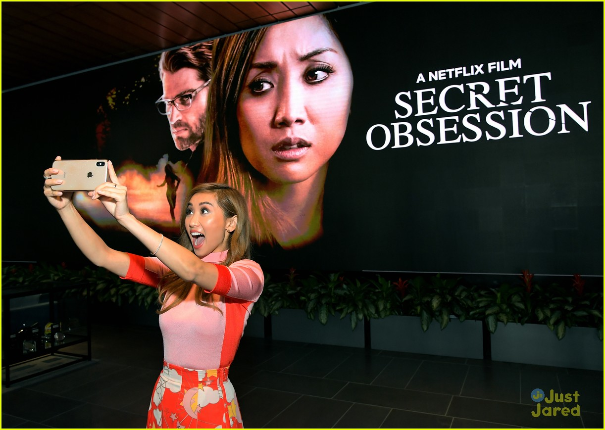 brenda song selfie secret obsession screening 03
