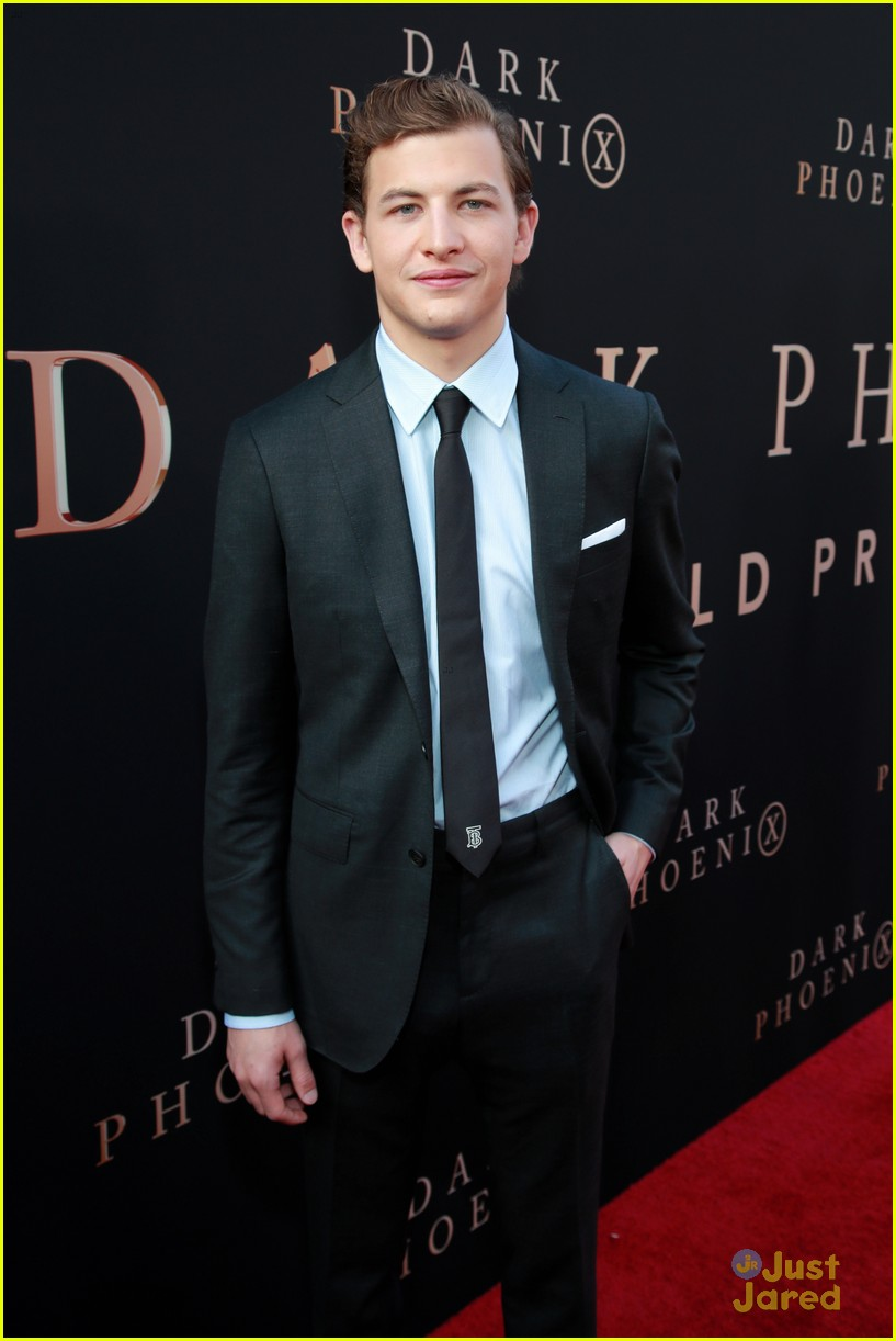 dark phoenix hollywood premiere 22