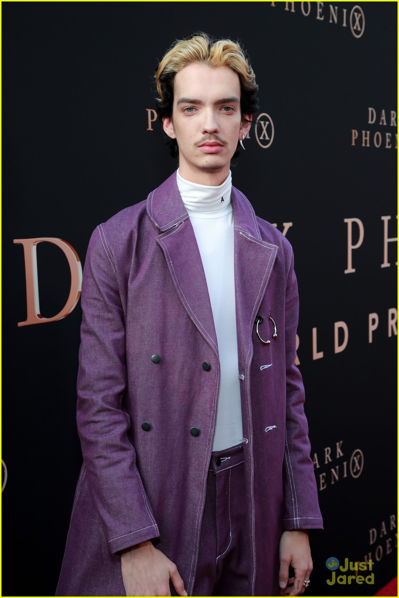 dark phoenix hollywood premiere 31