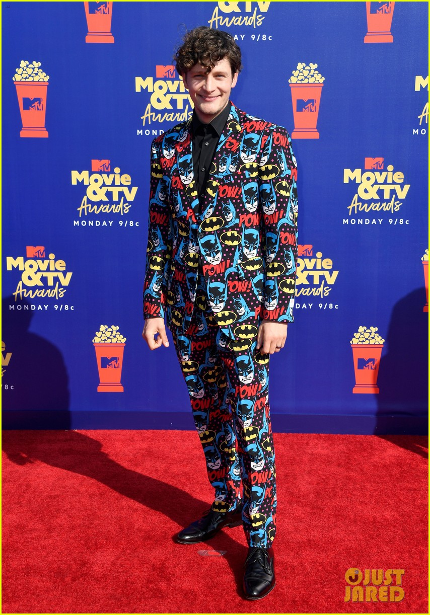brett dier batman suit haley lu richardson mtv movie tv awards 08