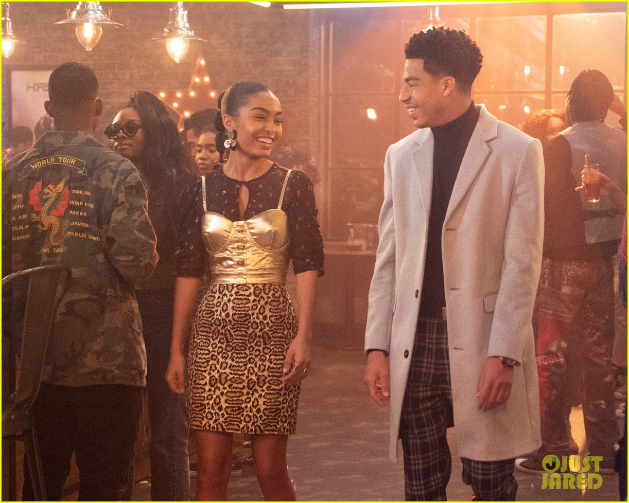 zoey brings brother junior as wingman during friend drama on grownish 01