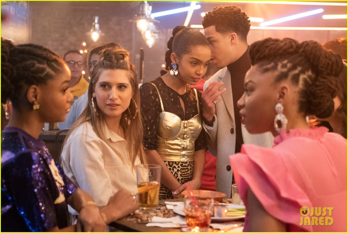 zoey brings brother junior as wingman during friend drama on grownish 03