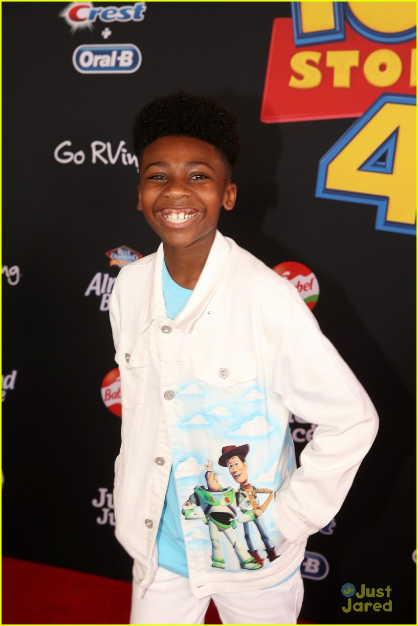 jd mccrary christin simon toy story themed looks premiere 02