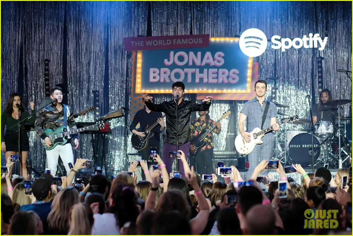 jonas brothers happiness begins album stream download 07