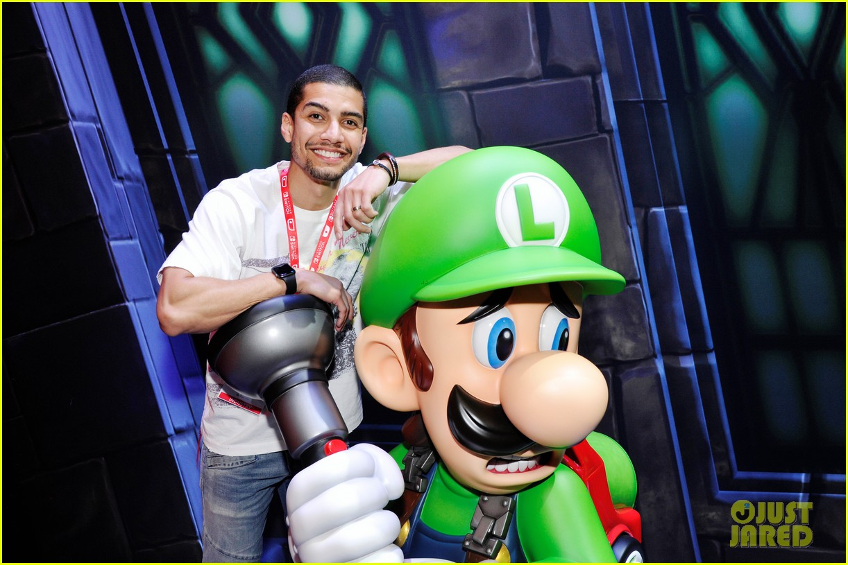 jordan fisher keegan allen kick off e3 convention with nintendo 01