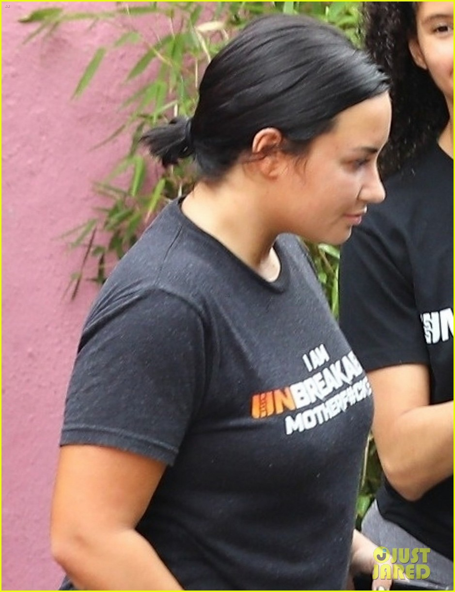 demi lovato hits the gym after paying tribute to stepfather 03