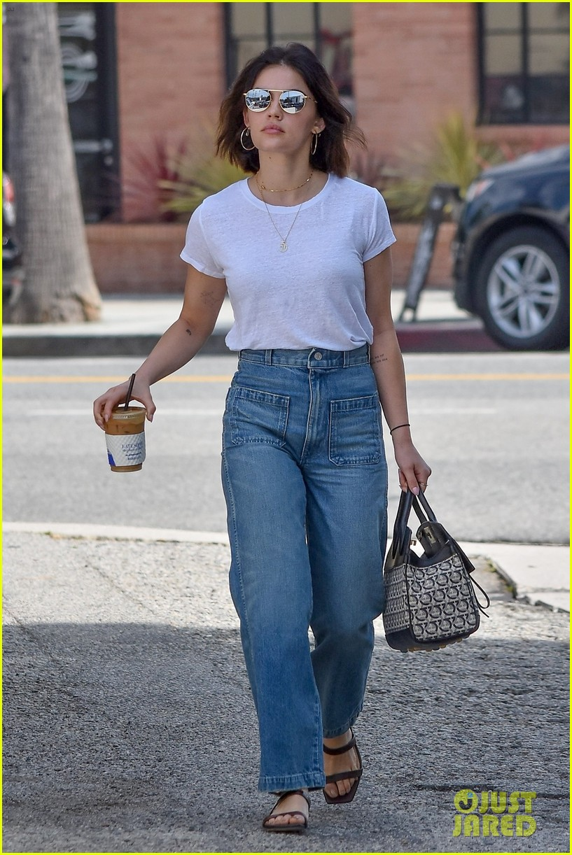 lucy hale cant wait to move to new york city for katy keene 04
