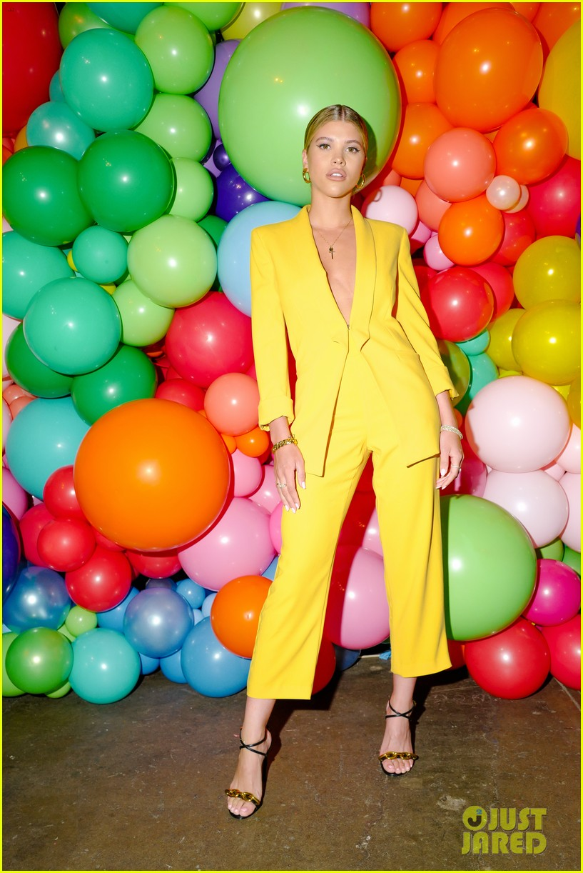 sofia richie jenny mollen ao pride party 09
