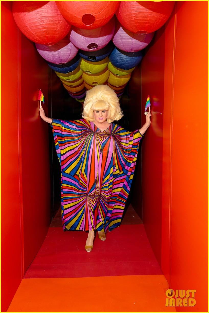 sofia richie jenny mollen ao pride party 14