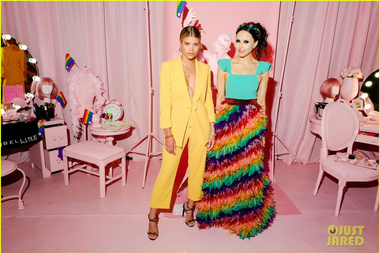 sofia richie jenny mollen ao pride party 24