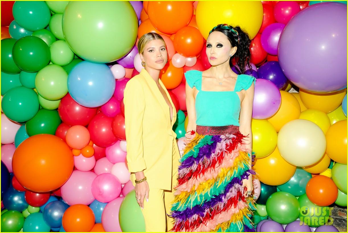 sofia richie jenny mollen ao pride party 26