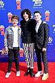 stranger things cast attend mtv movie tv awards 16