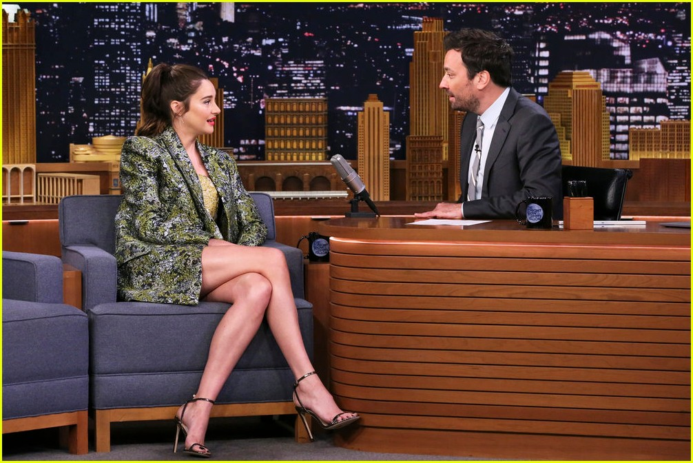 shailene woodley teaches jimmy fallon how to scream like meryl streep 02
