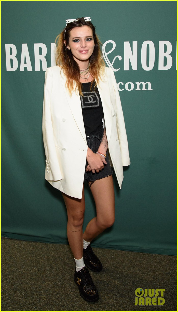 benjamin mascolo supports bella thorne nyc book tour 02