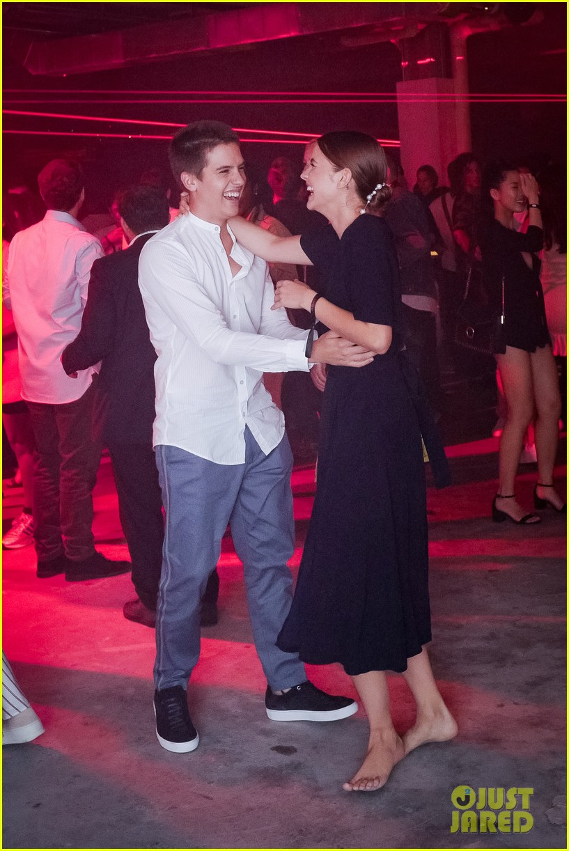 dylan sprouse barbara palvin kiss boss party 25