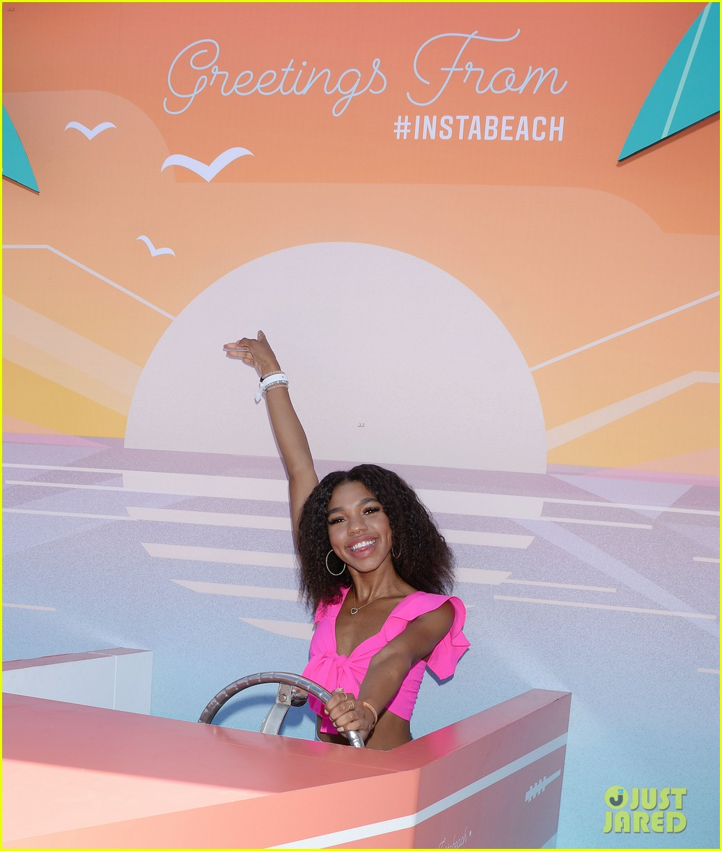 eva gutowski brent rivera couple up at instabeach 23