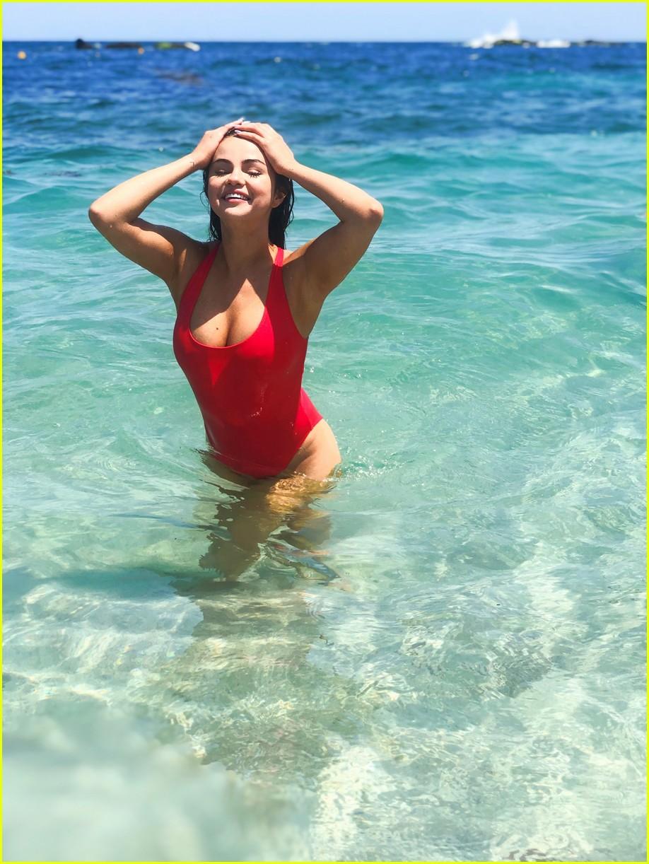 selena gomez in red swimsuit 03