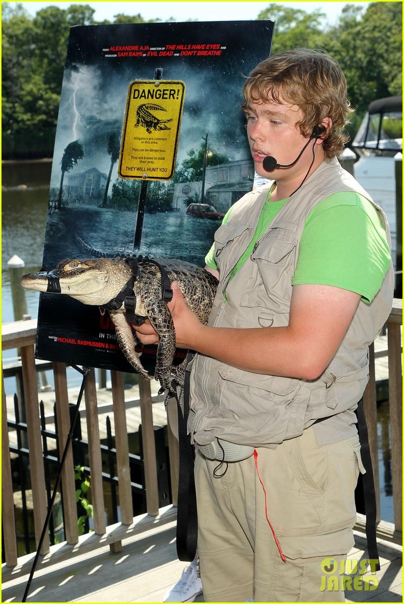 kaya scodelario crawl alligator event 16