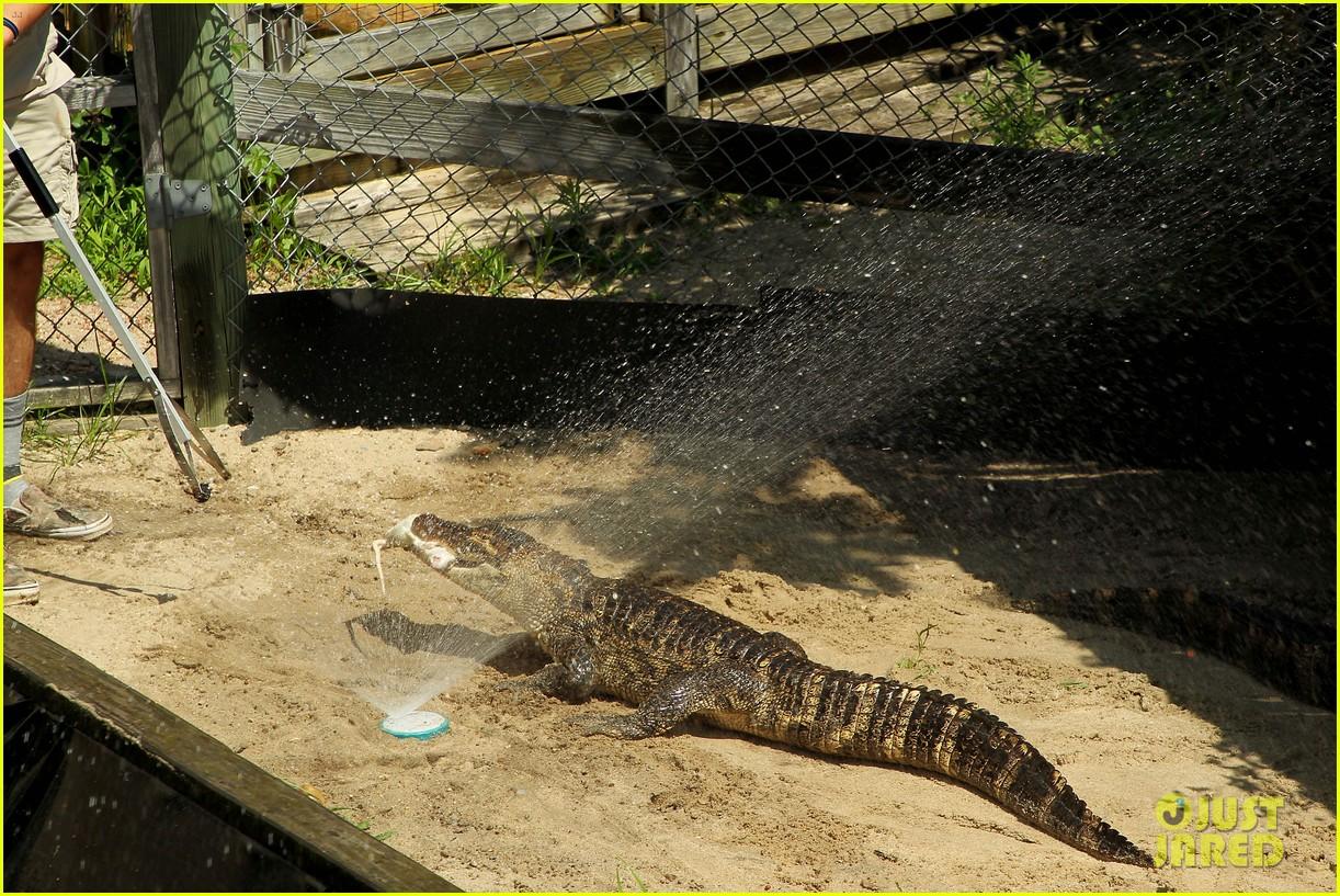 kaya scodelario crawl alligator event 24