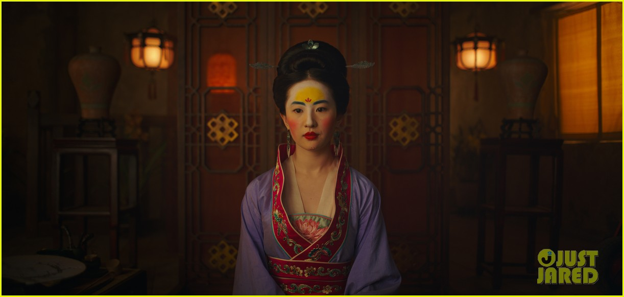 mulan teaser trailer and poster are here watch now 01