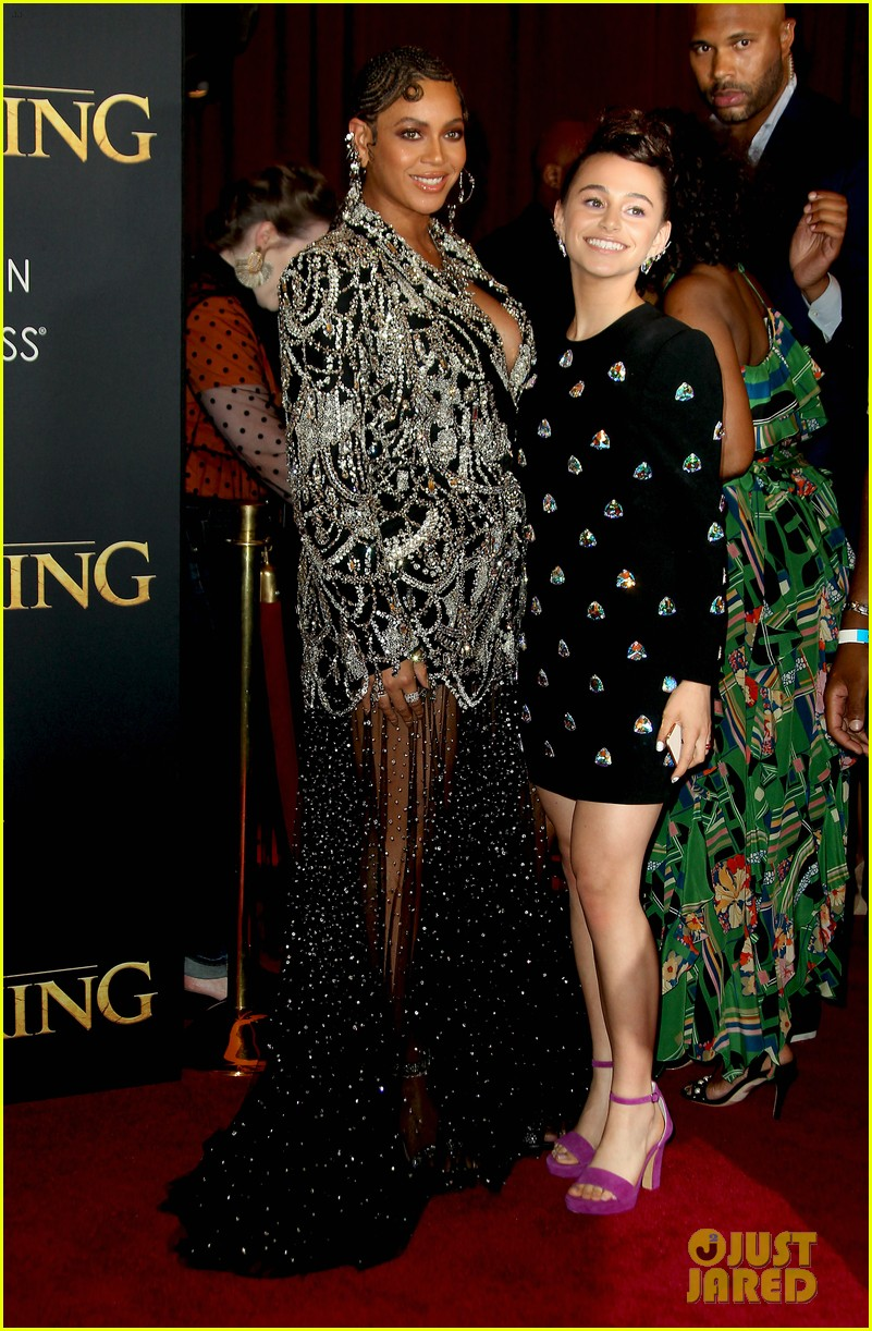ravens home cast meet beyonce at lion king premiere 11