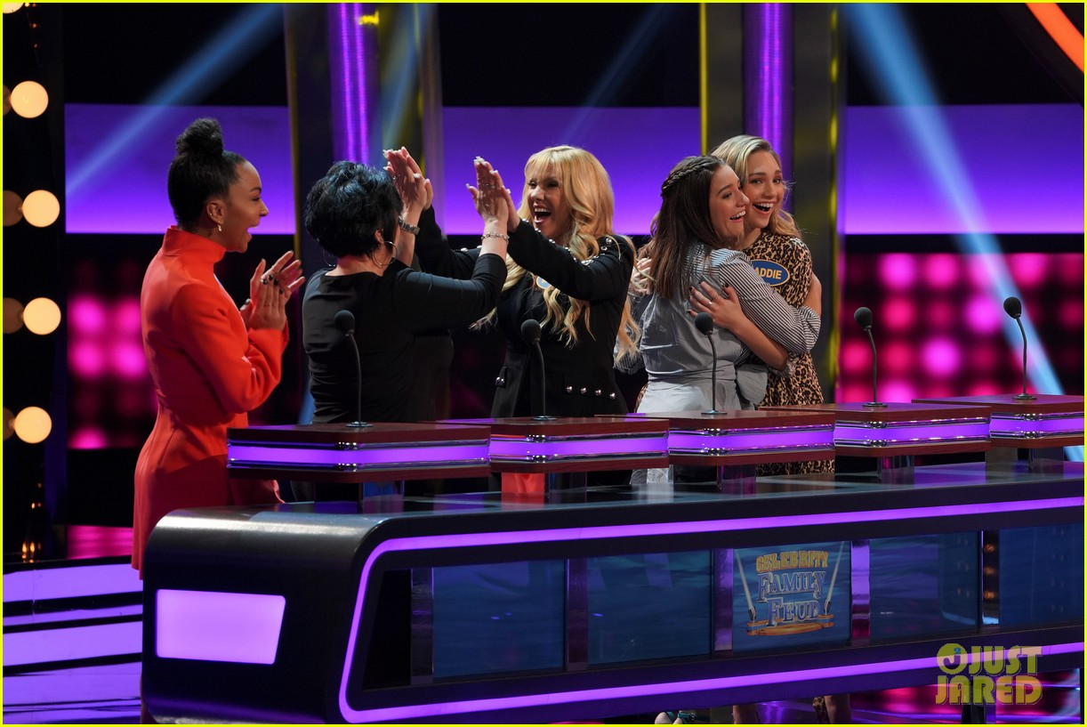 maddie kenzie ziegler are going to be on celebrity family feud 01