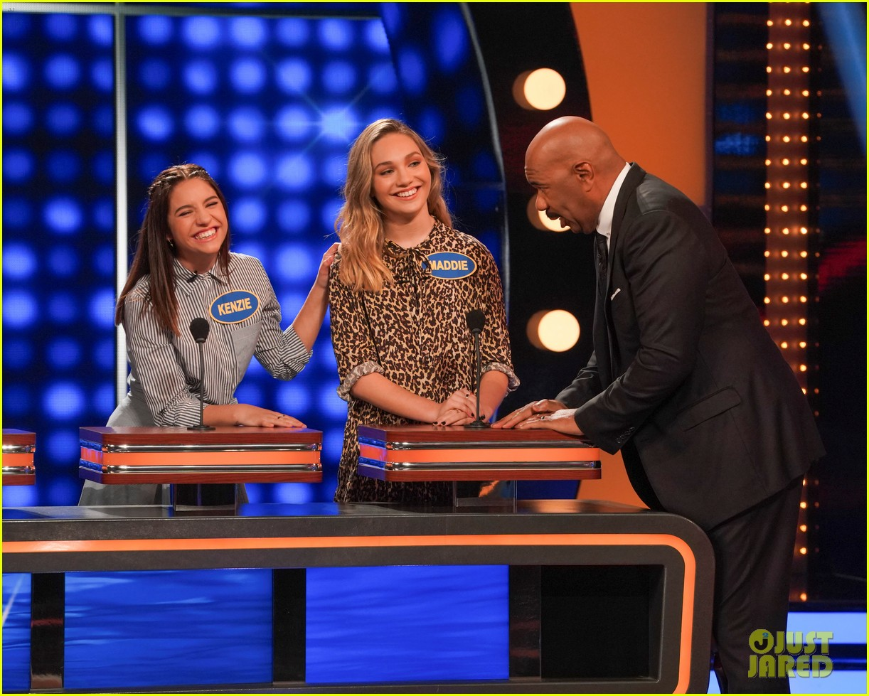 maddie kenzie ziegler are going to be on celebrity family feud 03