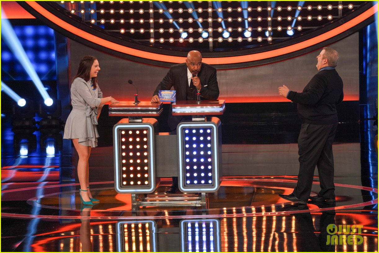 maddie kenzie ziegler are going to be on celebrity family feud 05
