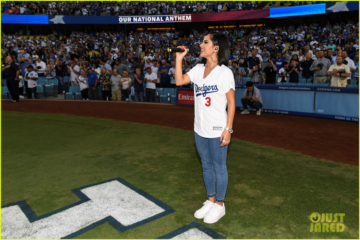 becky g sings national anthem at dodgers game 05
