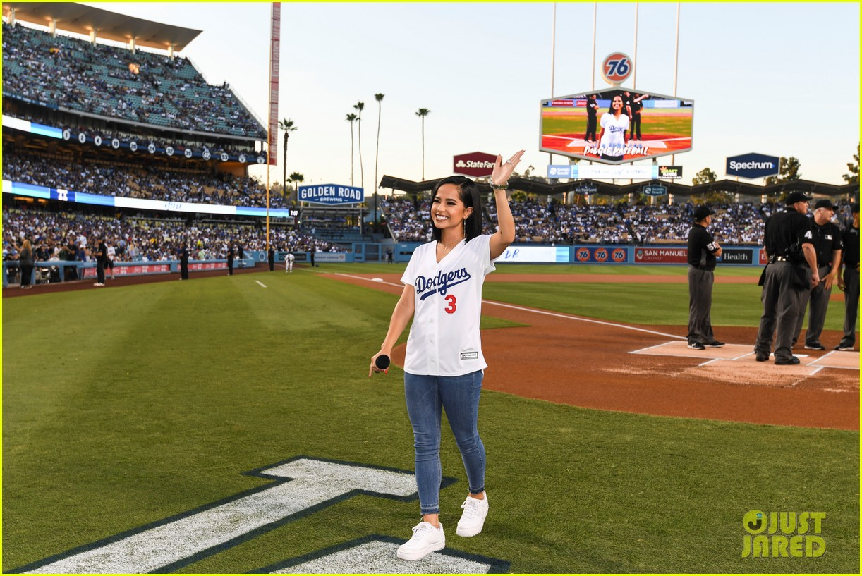 becky g sings national anthem at dodgers game 07