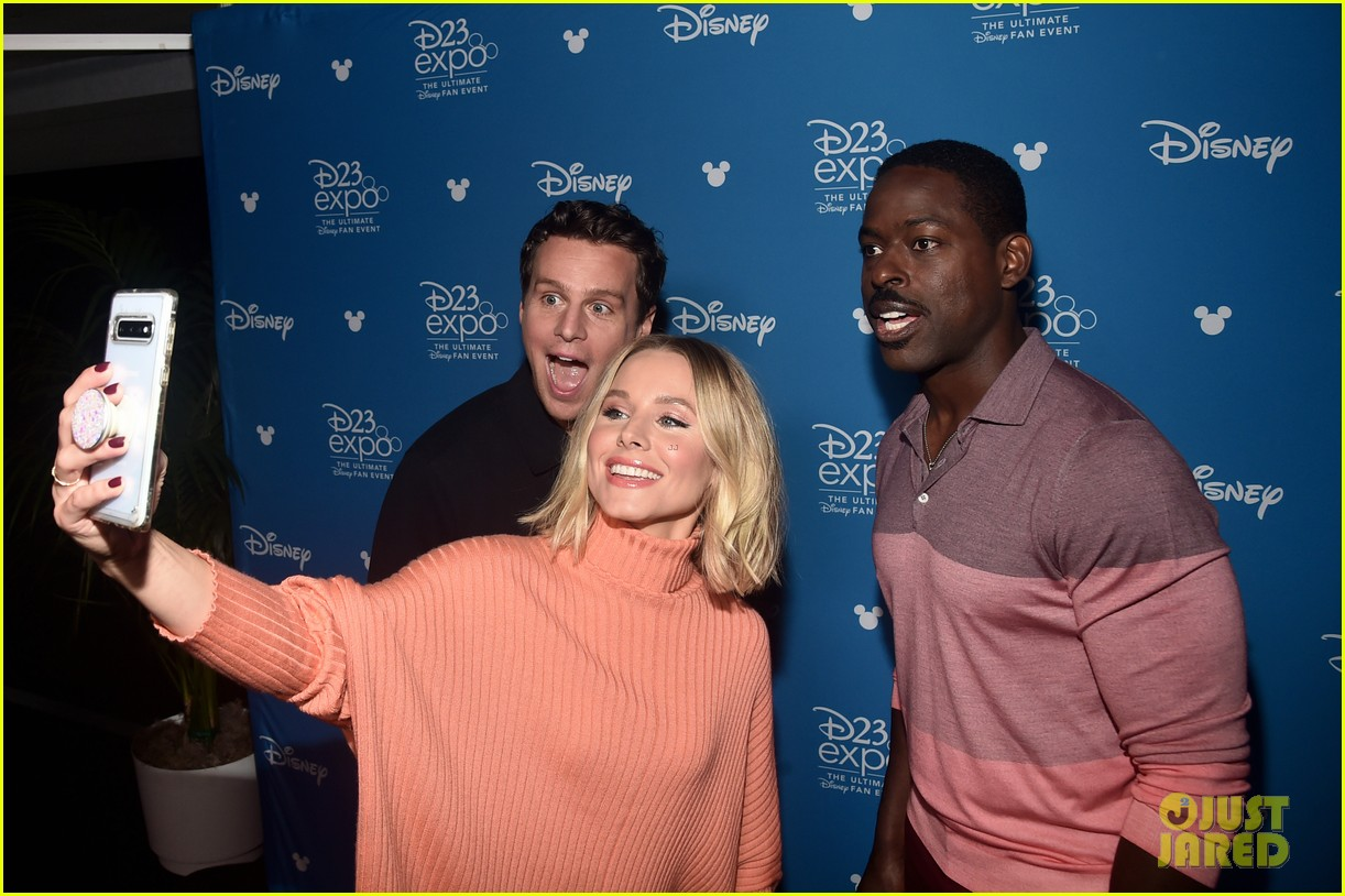 The Cast of 'Frozen 2' Attends D23 Expo 2019! | Photo ...Kristen Bell And Jonathan Groff